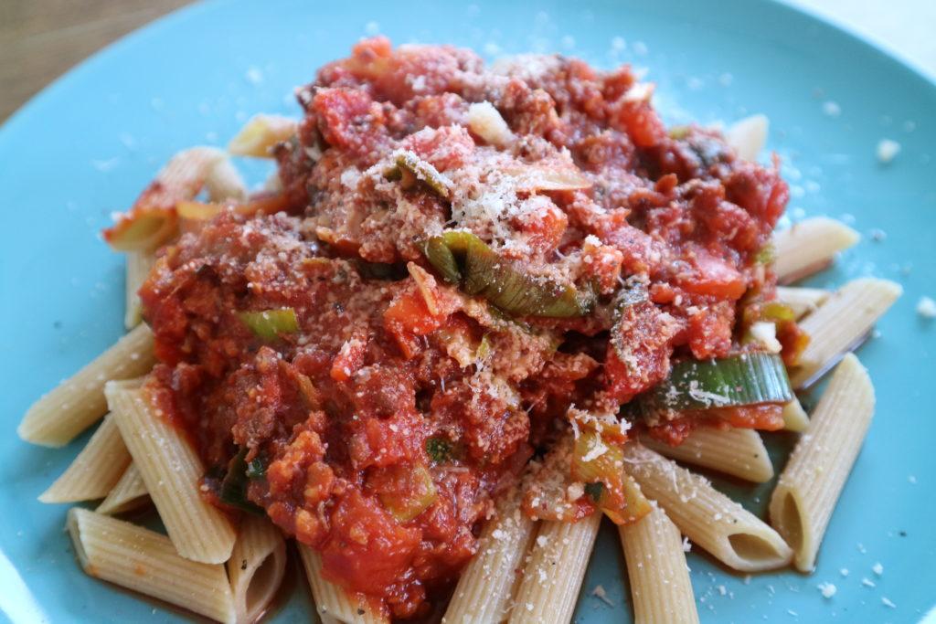 Rode pastasaus met vegetarisch gehakt