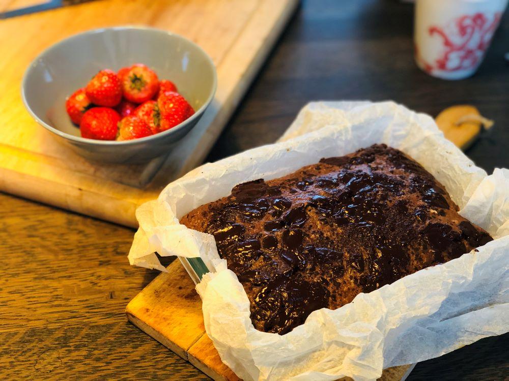 Chocolade ontbijtcake met pindakaas